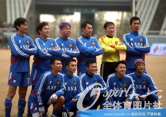 明星足球慈善赛 香港明星队7 0胜南昌明星队