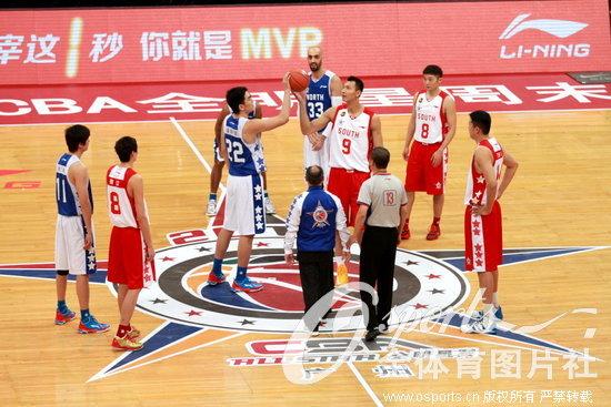 高清:2013年CBA全明星赛 传奇巨星李宁为比赛