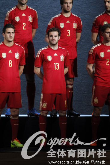 西班牙国家队公布巴西世界杯参赛队服(组图)