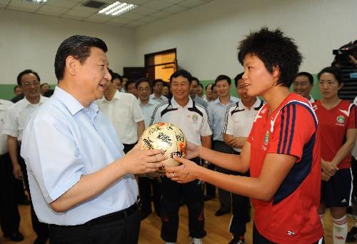 习近平:外交舞台上的足球先生