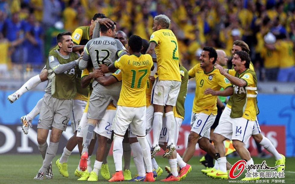 高清:天堂与地狱的差距 巴西疯狂庆祝智利痛哭