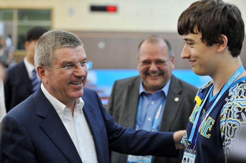 武术:国际奥委主席巴赫观看青奥射击比赛与高清梦幻老板是谁图片