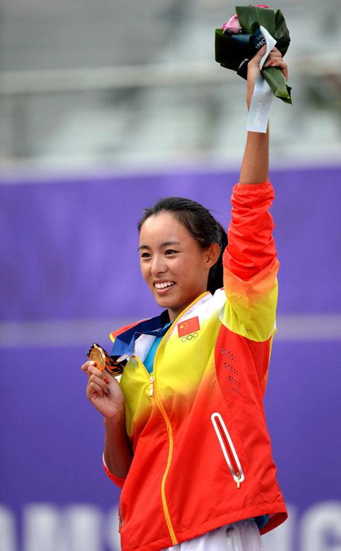 组图:亚运网球女单 王蔷2-0完胜夺中国队唯一金