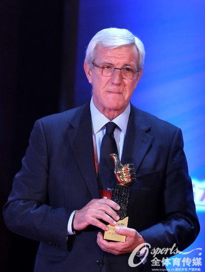 里皮荣膺2013年中超联赛最佳教练