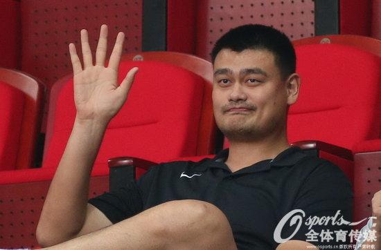 亚锦赛中国轻取哈萨克斯坦 姚明现场观战图片