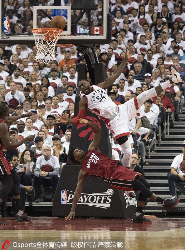 NBA季后赛-双枪合砍63分 猛龙晋级东决将战骑士