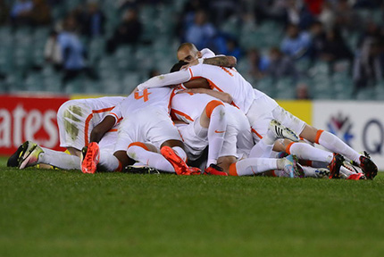 鲁能2-2客平悉尼FC 晋级八强5月25日,2016亚冠1/8决赛第二回合,鲁能依靠蒙蒂略巧妙推射、蒿俊闵第90分钟远射绝杀,两度扳平比分,最终2比2客平悉尼FC。总比分3比3晋级八强。【详细】