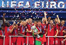 2016年欧洲杯  2016欧洲杯于北京时间2016年6月11日至7月11日在法国举行,24支球队角逐欧洲足球最高荣誉。最终,葡萄牙队1-0击败东道主法国队,成为第10个欧洲杯冠军,这也是葡萄牙队获得的首个大赛冠军。【详细】欧洲杯|赛程|直播|葡萄牙|足球|体育
