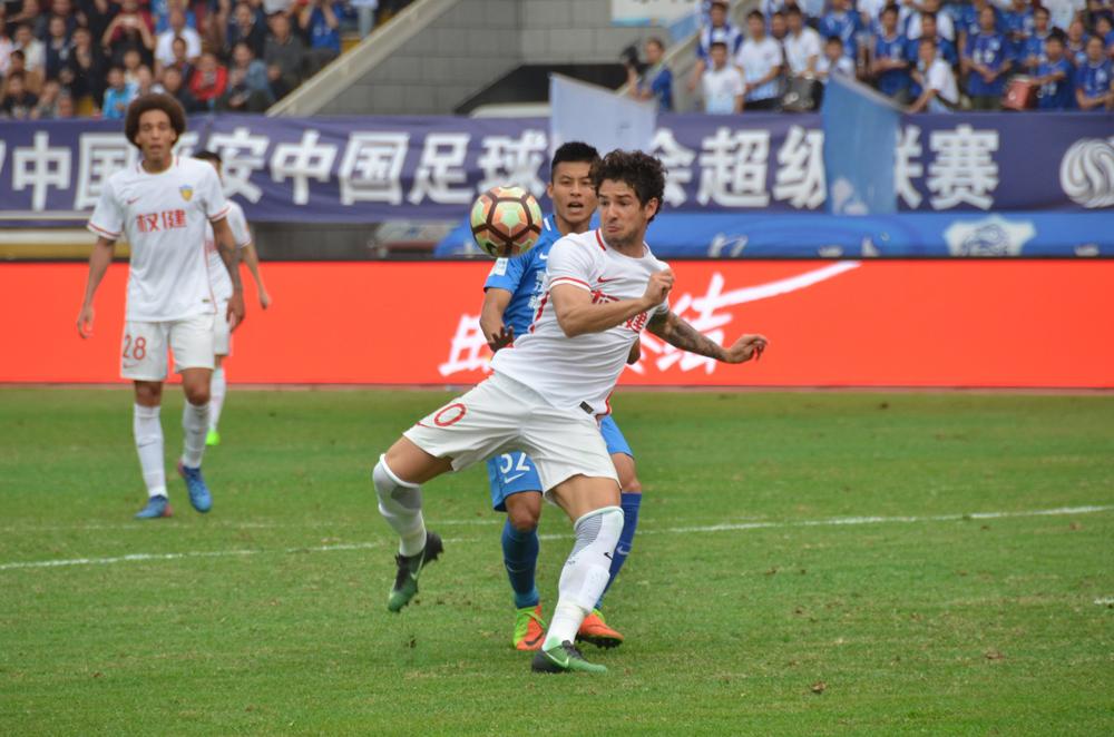 高清:2017中超联赛首轮 天津权健客场0-2负广州富力