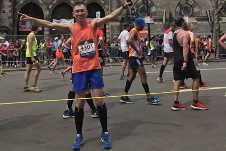 谭杰:跑步要倾听你身体的声音       《中国马拉松・领跑者》出版人谭杰做客人民体育,畅谈他第二次参加波士顿马拉松的体验。