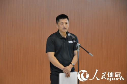 中国击剑协会主席王海滨致辞