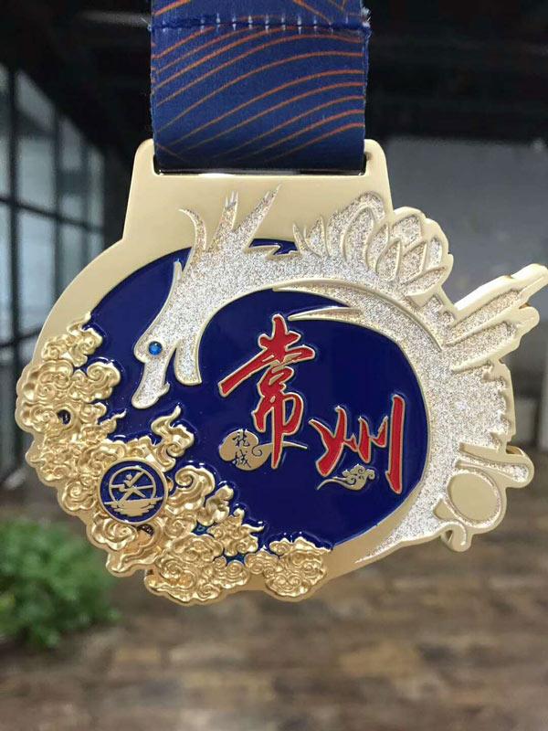 高清:2017常州西太湖半程马拉松完赛奖牌