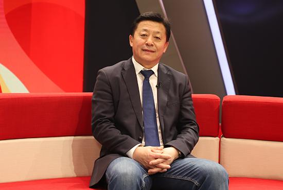 国家体育总局局长助理、党组成员,中国足协党委书记杜兆才作客黄金城访谈间