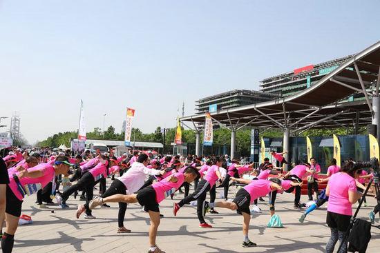 第三十五届公园半程马拉松北京公开赛暨建侬体育5K团队跑成功举办暴雪haobc