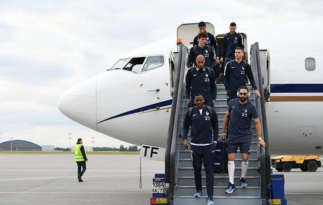 高清:2018世界杯一触即发 法国队抵达俄罗斯