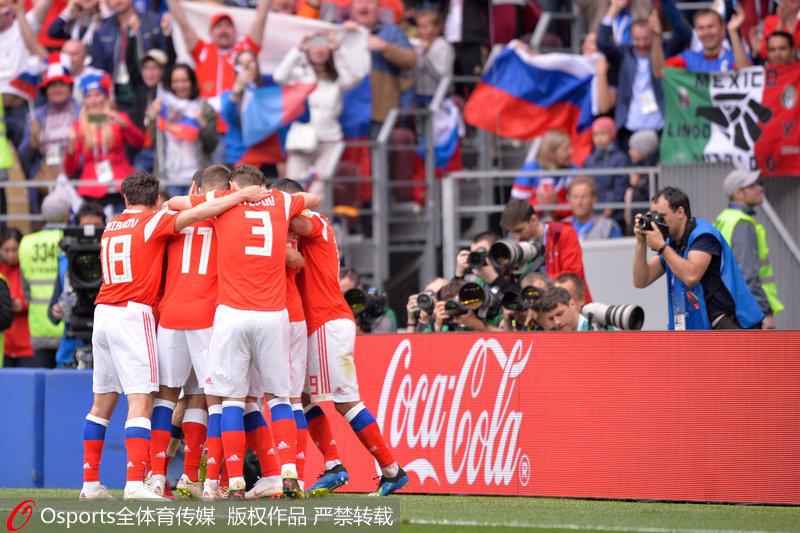 世界杯揭幕战-戈洛温两传一射 俄罗斯5-0大胜沙特