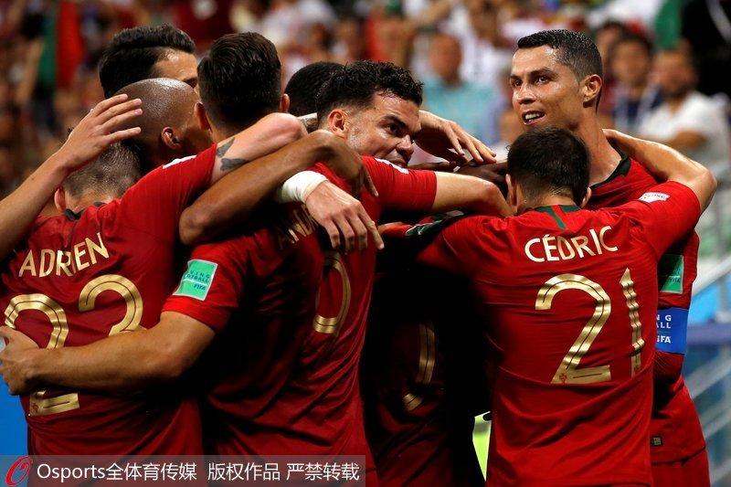 葡萄牙球员庆祝胜利