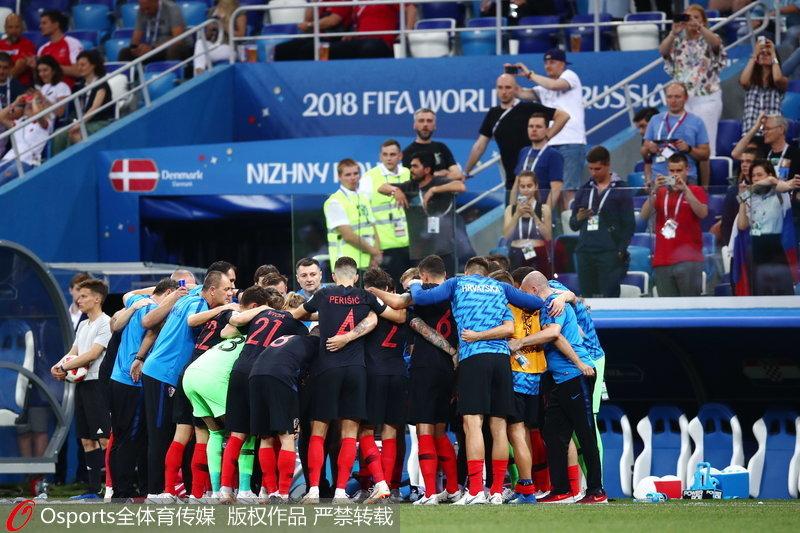 克罗地亚球员为加时赛做准备
