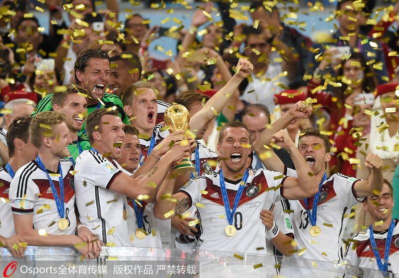 世界杯经典����j�9�!_高清:今夜大力神杯花落谁家 盘点近十届世界杯经典捧杯时刻