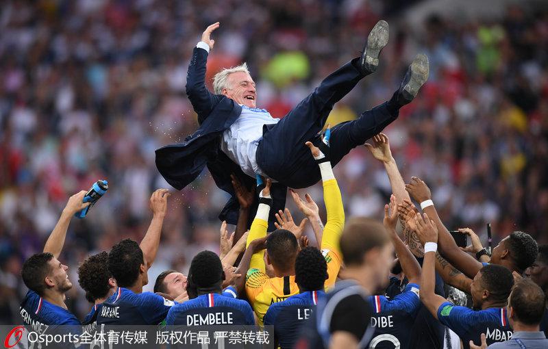 高清:队员+主教练世界杯双冠!回顾德尚球员时代青涩照