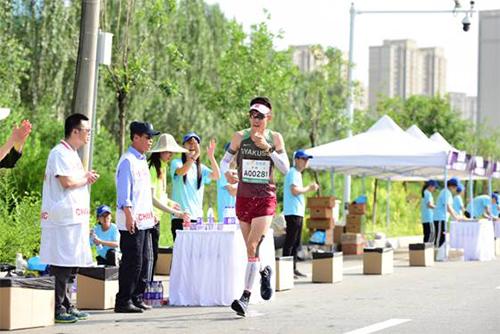 李一男:每一位呼马跑者都得到最好的照顾!       体育之窗公关总监李一男参加了2018呼和浩特马拉松,分享自己的所见所感。