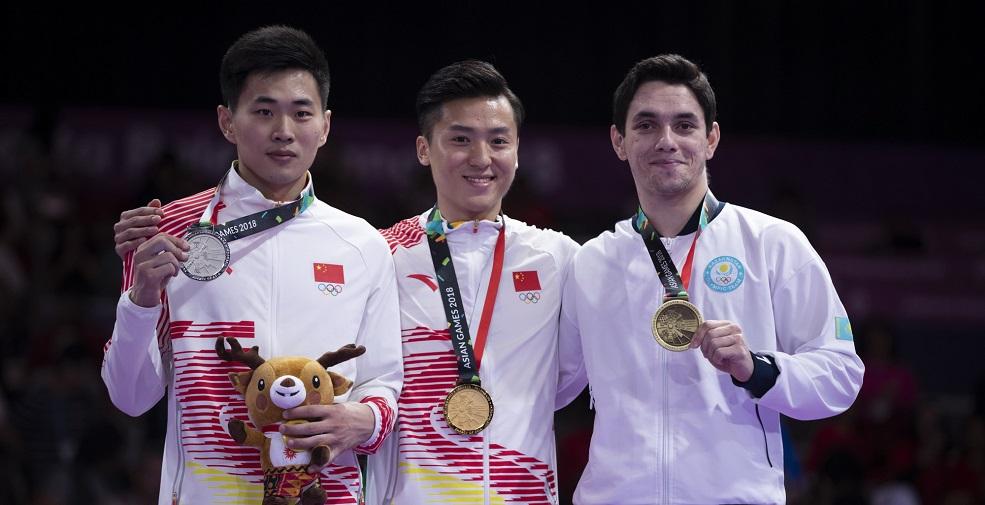 高清:蹦床男子决赛 名将董栋夺冠、高磊摘银