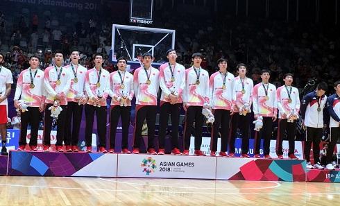 高清:男篮决赛 中国84-72胜伊朗时隔八年再夺冠
