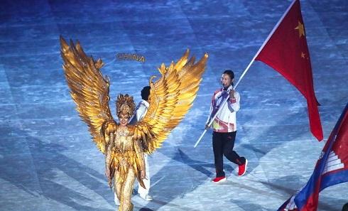 高清:2018雅加达亚运会闭幕式 运动员入场仪式