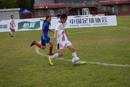 广安汽车站用足球培养人才中国城市少儿足球联赛推动青训发展
