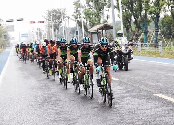 2018京杭大运河自行车赛杭州收官 15支车队完赛创造历史