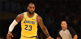 NBA新赛季:西部火勇斗法 东部群雄争霸        2018-19赛季NBA常规赛即将在17日重燃战火,各支球队会有怎样的表现,让我们拭目以待!