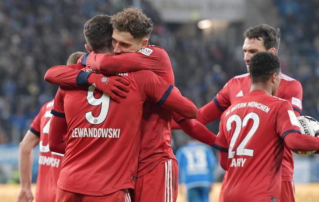 高清:格雷茨卡双响莱万破门定胜局 拜仁客场3-1霍芬海姆