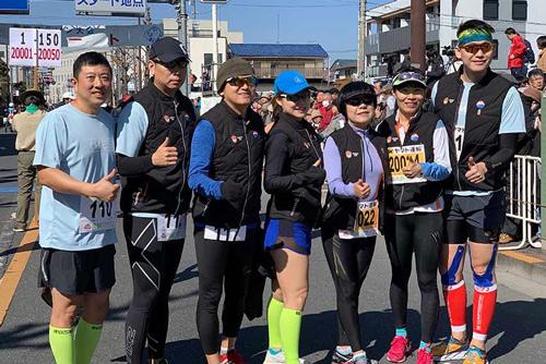 黄金城及首都媒体跑团闪耀日本青梅 传播马拉松魅力