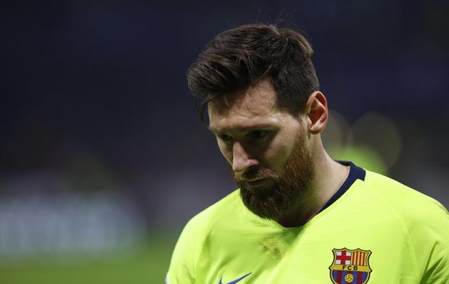 欧冠-梅西苏神错失良机 巴萨客场0-0战平里昂