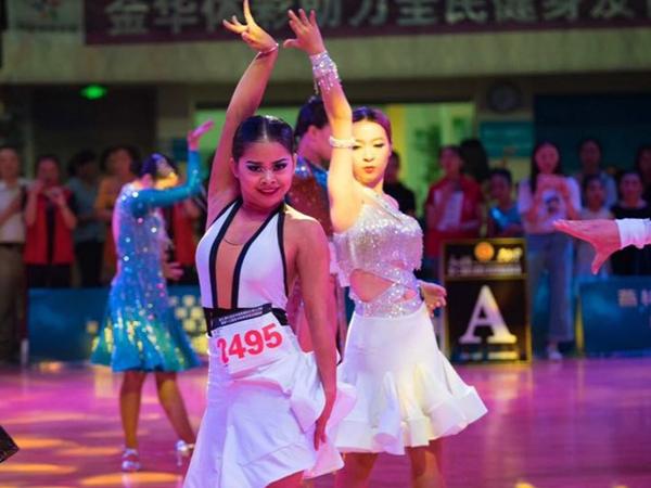 体育舞蹈全国公开赛在金华举行
