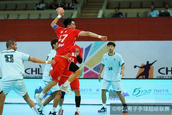 手球超级联赛苏州站开战 中国华体继续不败战绩