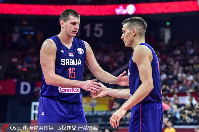 塞尔维亚队狂胜安哥拉