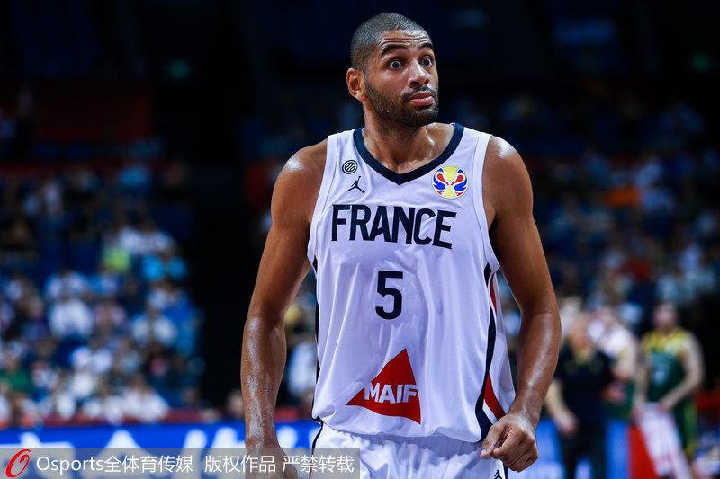 法国队两分之差不敌澳大利亚