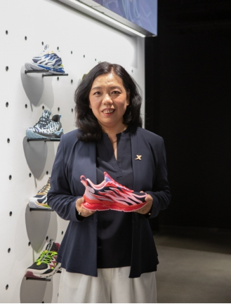 """中国运动品牌首次登陆伦敦时装周""""特步""""演绎英伦""""跑出位""""流落在hp"""