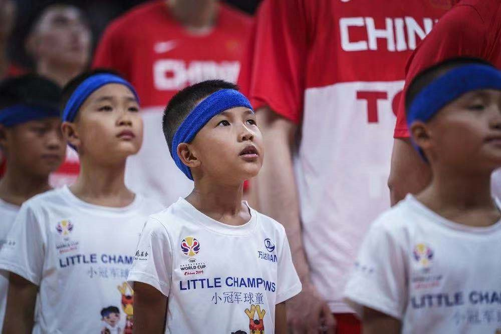 万达集团篮球世界杯小球童项目力助中国少年梦想成真