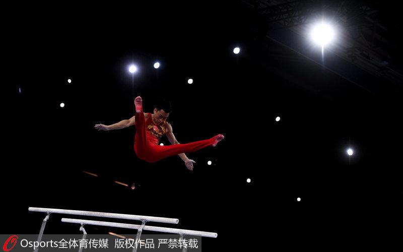 高清:体操世锦赛男团决赛中国队遗憾摘银俄罗斯夺冠