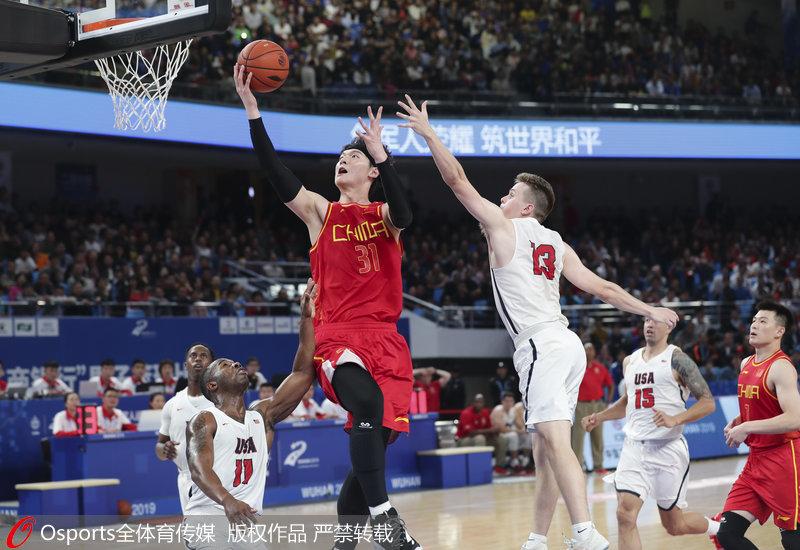 高清:军运会男篮小组赛中国八一男篮98:79美国队获两连胜