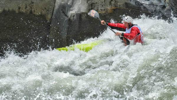 经典屄文_同时,为延续怒江皮划艇野水公开赛的经典赛段,打造独具怒江特色的经典