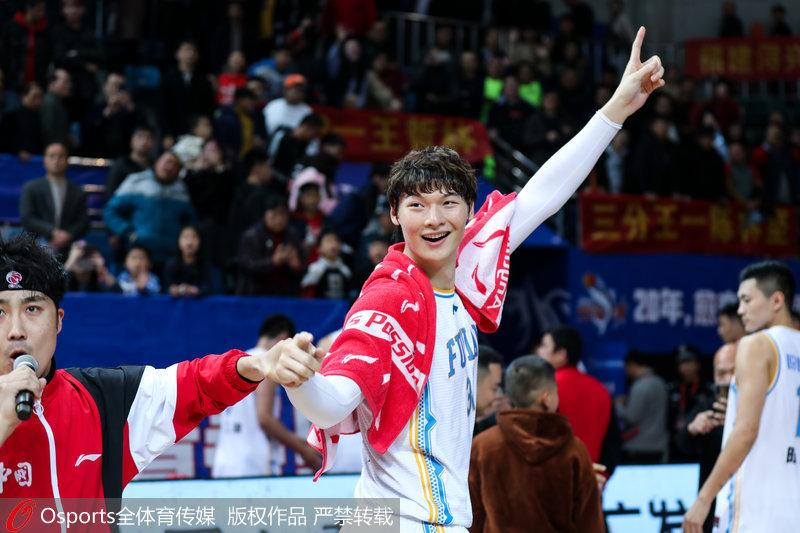 高清:王哲林51分创生涯最高福建浔兴113:97胜八一南昌