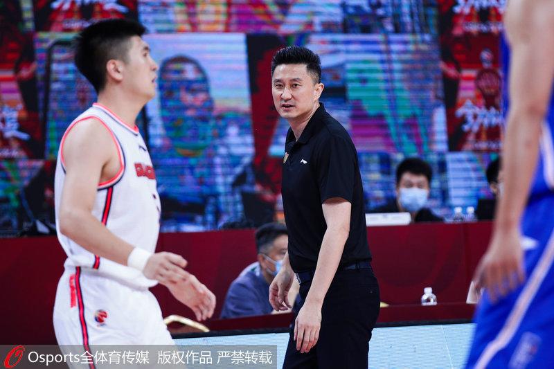 广东队主教练杜峰