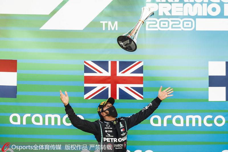F1西班牙站汉密尔顿夺冠156次登上领奖台破舒马赫纪录