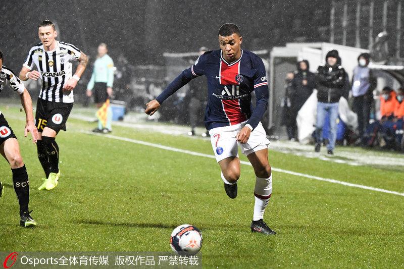 法甲-库尔扎瓦抽射破门建功巴黎圣日耳曼客场1:0胜昂热