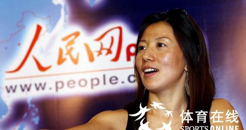 短道速滑奥运冠军杨扬做客人民网体育论坛
