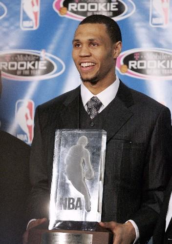 ...·罗伊获得由美国职业篮球联盟(NBA)颁发的2006至2007赛季