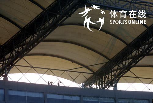"""今天""""好运北京""""2007国际女子足球邀请赛在秦皇岛奥体中心开球,作为"""